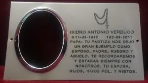 placa-cementerio-con-rosario-grabado